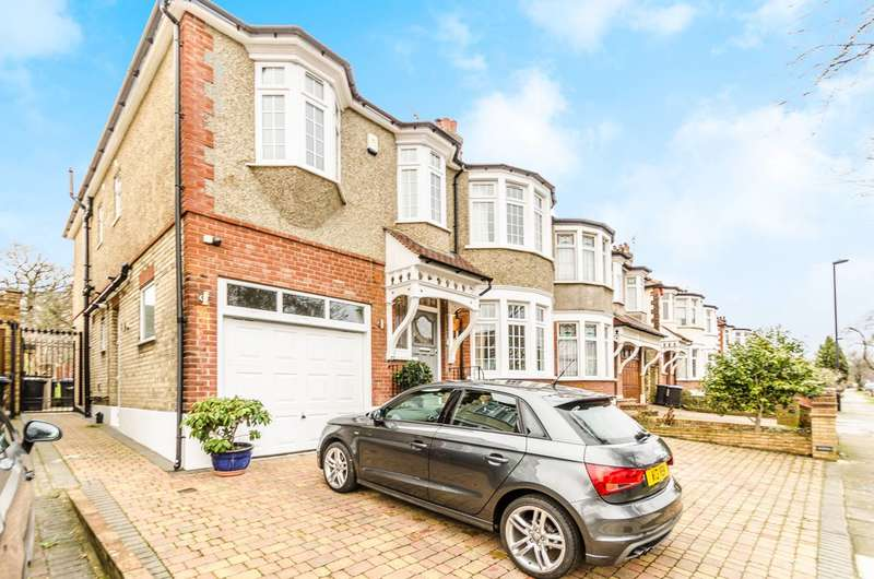 5 Bedrooms Semi Detached House for sale in Woodland Way, Winchmore Hill, N21