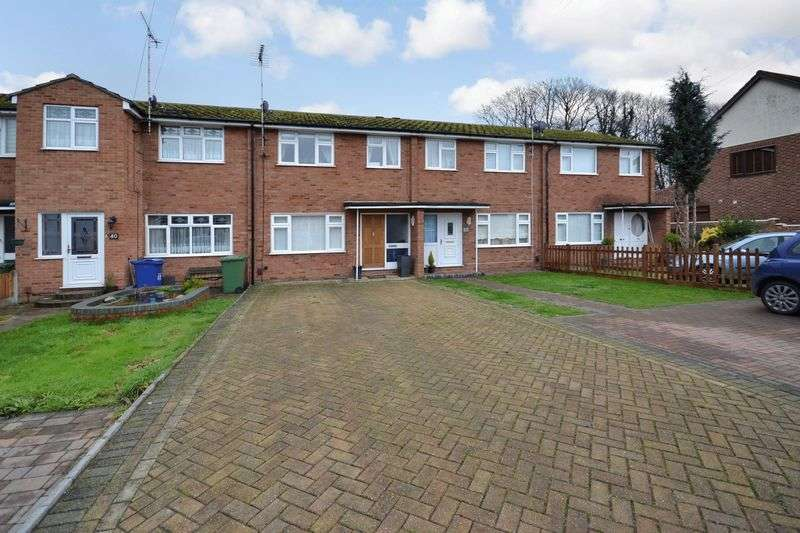 3 Bedrooms Terraced House for sale in Poley Road, Stanford-Le-Hope
