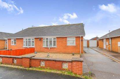 2 Bedrooms Bungalow for sale in Finisterre Avenue, Skegness, Lincolnshire, England