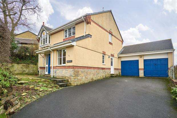 4 Bedrooms Detached House for sale in Carrisbrooke Way, Latchbrook, Saltash, Cornwall