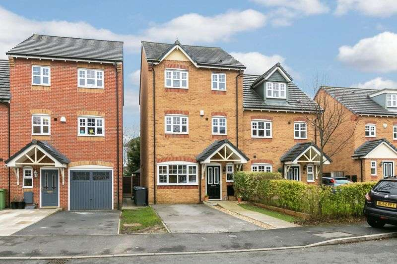 4 Bedrooms Semi Detached House for sale in Appleton Grove, Goose Green, WN3 6NY
