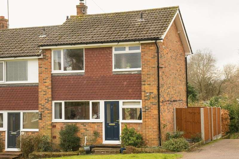 3 Bedrooms Terraced House for sale in Woodland Close, Tunbridge Wells