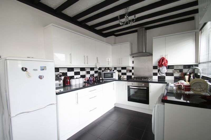 3 Bedrooms Terraced House for sale in Gaerwen, Anglesey