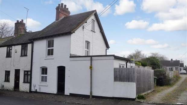 3 Bedrooms Terraced House for sale in Pound Street, Warminster