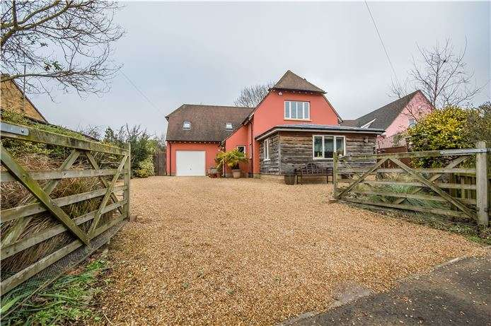 4 Bedrooms Detached House for sale in High Street, Little Wilbraham, Cambridge
