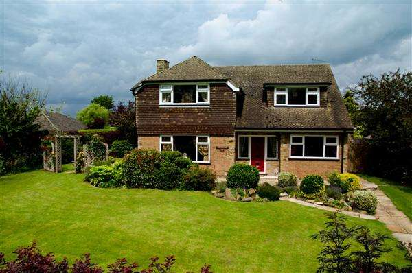 4 Bedrooms Detached House for sale in Collingham Road, Swinderby, Lincoln
