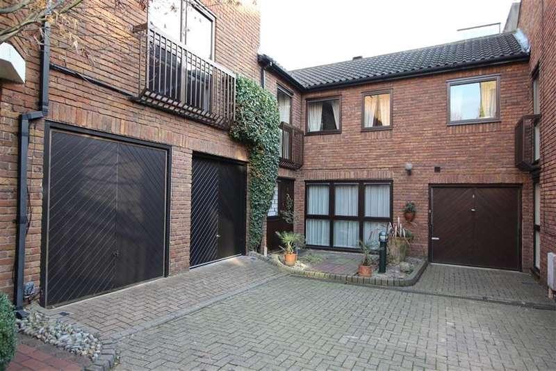 3 Bedrooms House for sale in Belsize Mews, Belsize Park, London