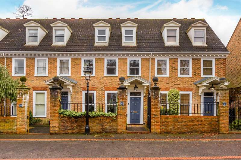4 Bedrooms Terraced House for sale in Tamerton Square, Woking, Surrey, GU22