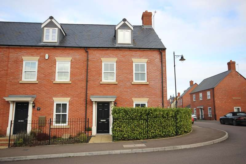3 Bedrooms End Of Terrace House for sale in Wagstaff Way, Ampthill, Bedford, MK45