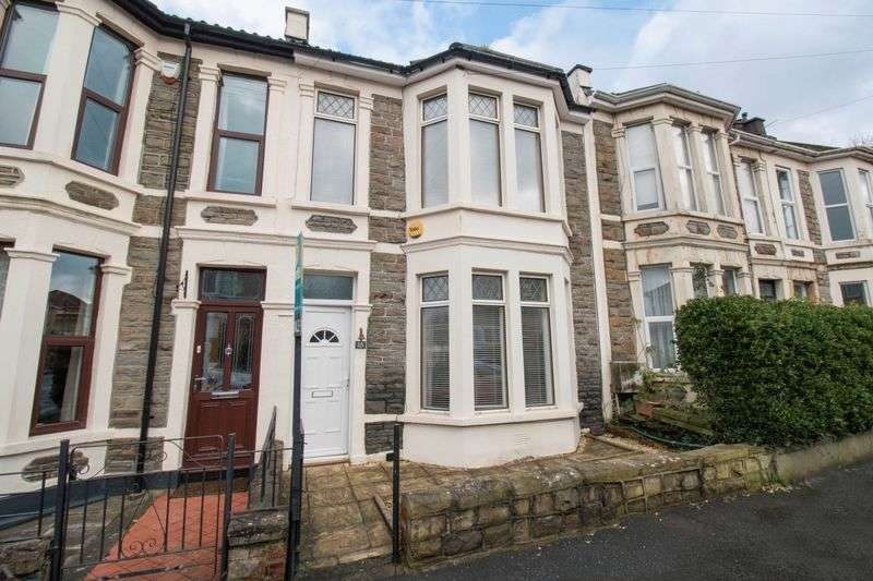 3 Bedrooms Terraced House for sale in Queens Road, St George