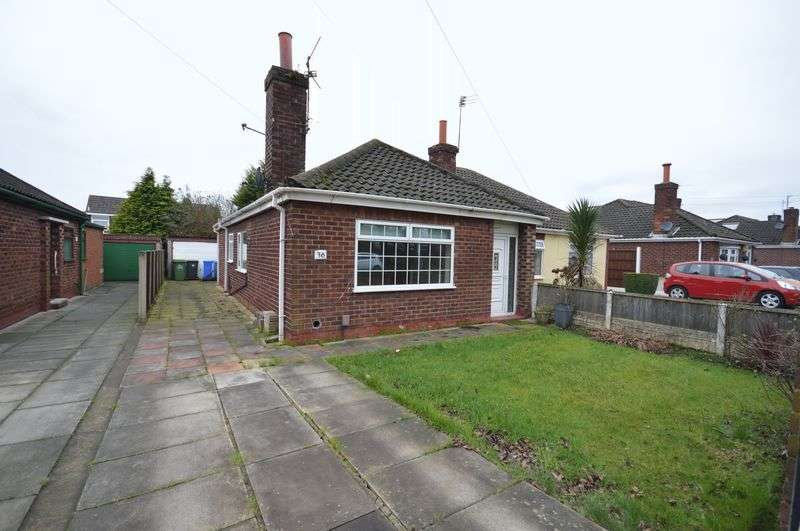 2 Bedrooms Semi Detached Bungalow for sale in Dundalk Road, Widnes