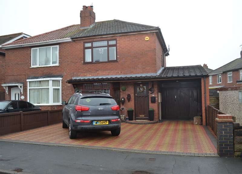 2 Bedrooms Semi Detached House for sale in Clare Road, Holmcroft, Stafford