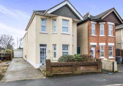 3 Bedrooms Detached House for sale in Winton, Bournemouth, Dorset