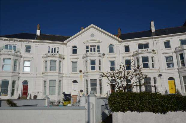 2 Bedrooms Flat for sale in Morton Crescent, Exmouth, Devon