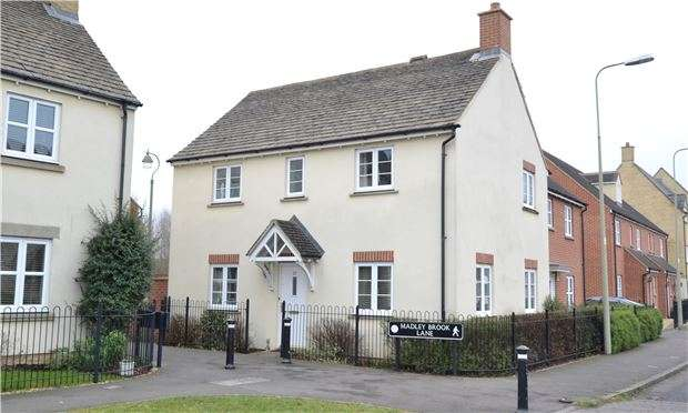 3 Bedrooms Semi Detached House for sale in 27 Madley Brook Lane, WITNEY, Oxfordshire OX28 1BS