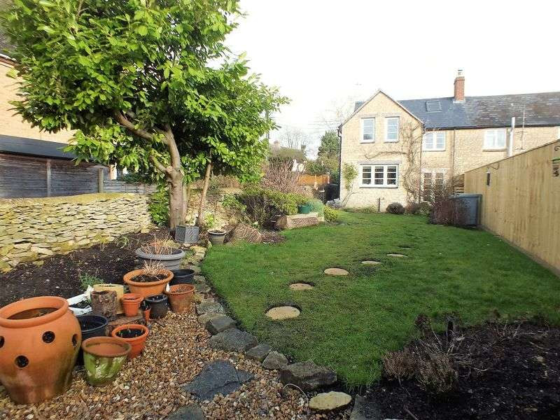 3 Bedrooms Terraced House for sale in Nethercote Road, Tackley