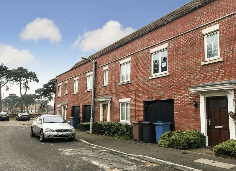 4 Bedrooms Terraced House for sale in Tayberry Close, Red Lodge, IP28