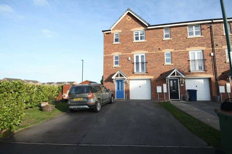 5 Bedrooms Terraced House for sale in Tynedale Close, Skelton in Cleveland