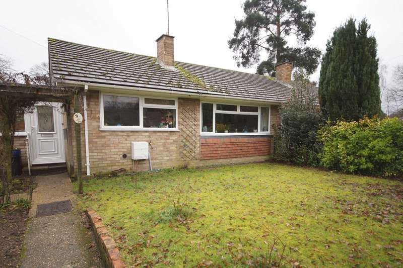 2 Bedrooms Semi Detached Bungalow for sale in Eveley Close, Whitehill, Hampshire, GU35