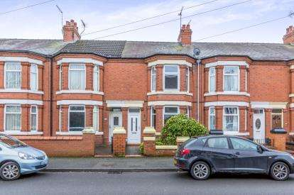 3 Bedrooms Terraced House for sale in Gainsborough Road, Crewe, Cheshire