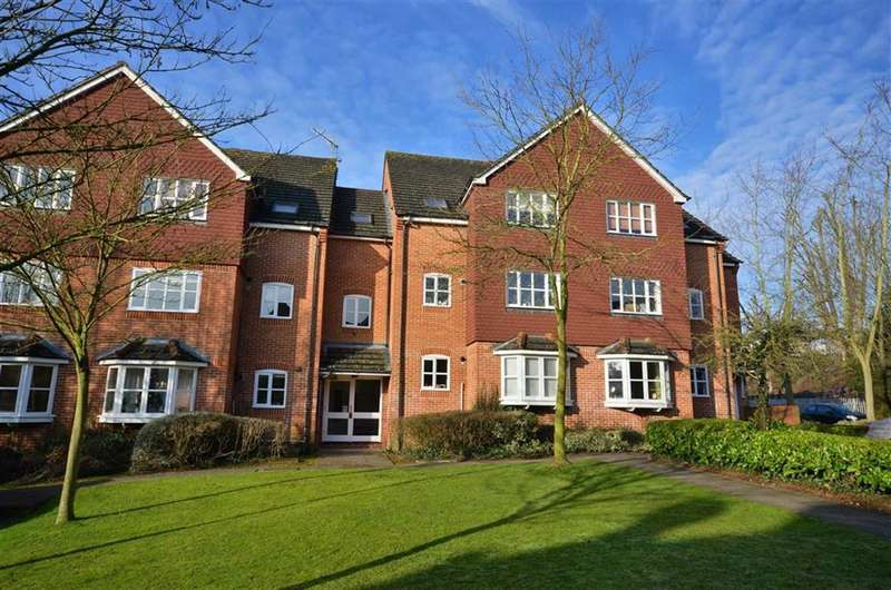 2 Bedrooms Property for sale in Swan Close, Rickmansworth, Hertfordshire, WD3