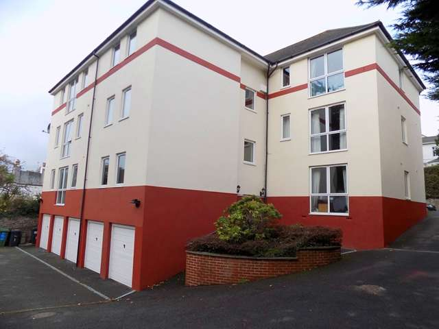 3 Bedrooms Flat for sale in Wellswood Court, Babbacombe Road