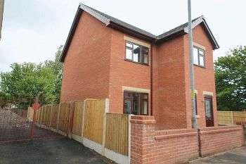 3 Bedrooms Detached House for sale in Wigan Road, Hindley, Wigan, WN2 3DF
