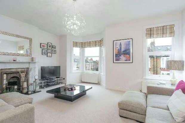 2 Bedrooms Flat for sale in Narcissus Road, West Hampstead, NW6