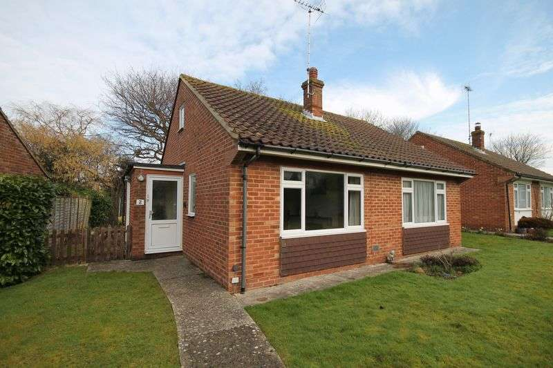 2 Bedrooms Detached Bungalow for sale in Bromley Close, Hassocks, West Sussex,