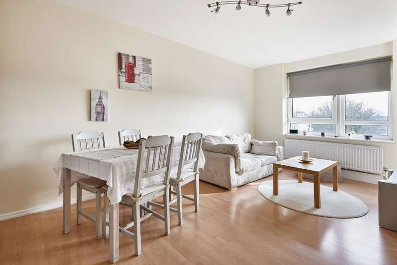 3 Bedrooms Flat for sale in Hydethorpe Road, Balham, SW12