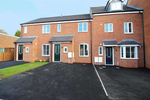 3 Bedrooms Terraced House for sale in Spring Lane, Walsall