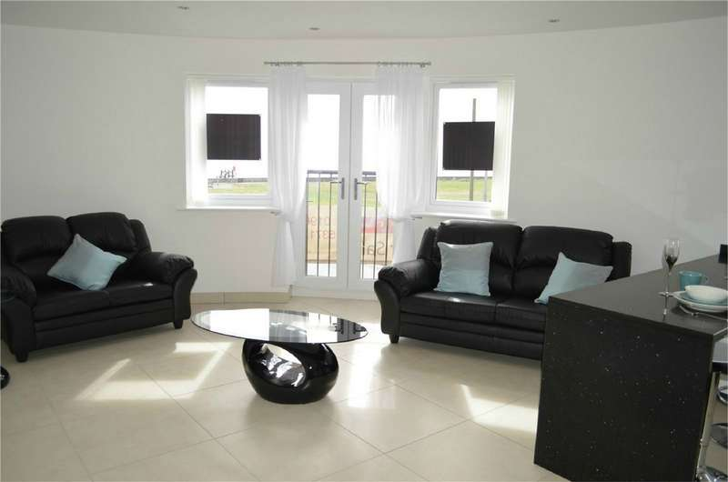 2 Bedrooms Flat for sale in 'The Leonardo', Broadway House, The Broadway, Hornsea, East Yorkshire