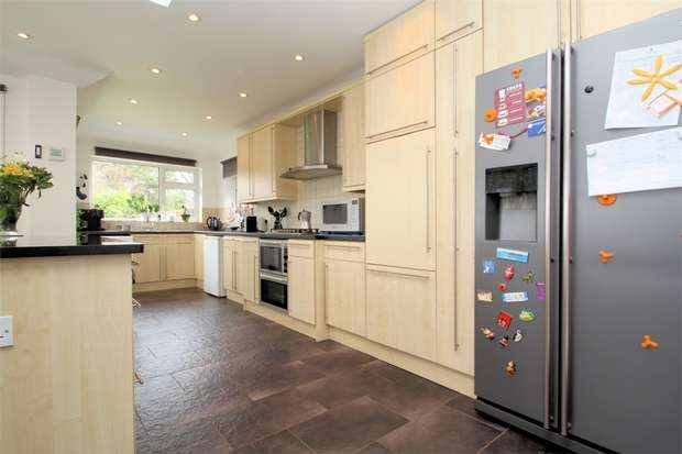 5 Bedrooms Detached House for sale in Mayford, Woking, Surrey