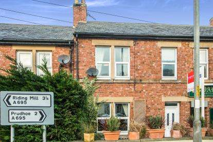 3 Bedrooms Terraced House for sale in Alexandra Terrace, Stocksfield, Northumberland, NE43
