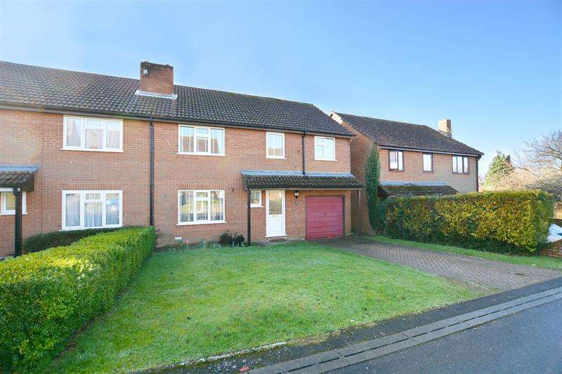 4 Bedrooms Semi Detached House for sale in Pennys Mead, Cranborne, Wimborne