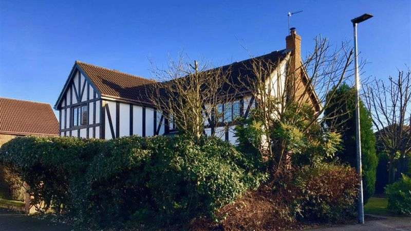 5 Bedrooms Detached House for sale in Thorpe End, Norwich