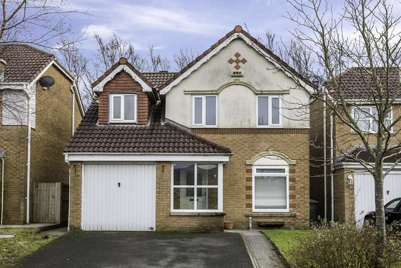 3 Bedrooms Detached House for sale in Cutland Way, Littleborough, OL15 8JU