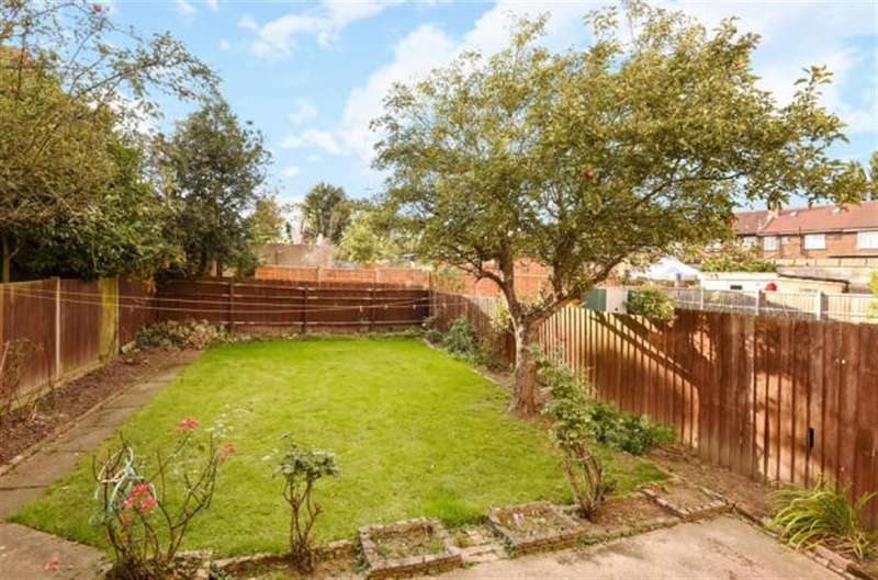 4 Bedrooms House for sale in Park View Road, London, NW10 1AL