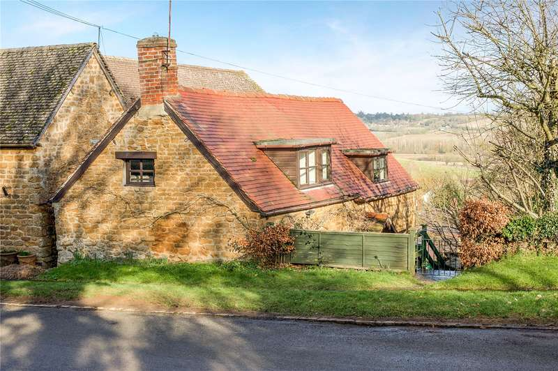 2 Bedrooms Detached House for sale in Back Hill, Shotteswell, Banbury, Oxfordshire, OX17