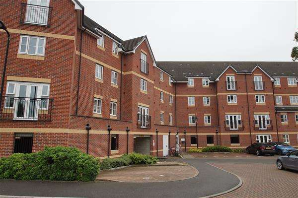 2 Bedrooms Apartment Flat for sale in Eaton Avenue, Cippenham