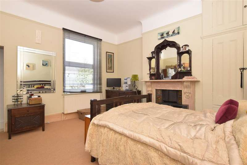 4 Bedrooms Town House for sale in London Road, North End, Portsmouth, Hampshire