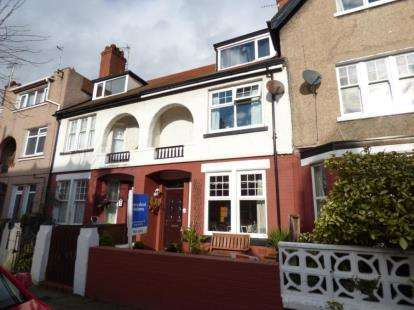 4 Bedrooms Terraced House for sale in Victoria Avenue, Llandudno, Conwy, LL30