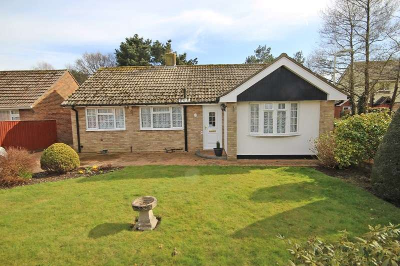 2 Bedrooms Detached Bungalow for sale in Glen Close, New Milton
