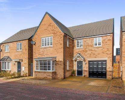 4 Bedrooms Detached House for sale in Roma Road, Peterborough, Cambridgeshire