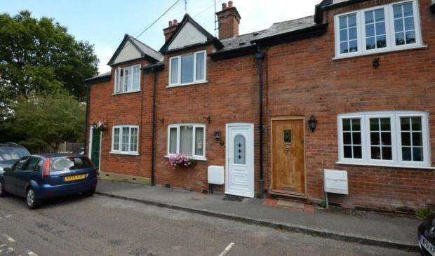 2 Bedrooms Terraced House for sale in Vicarage Hill, Hartley Wintney, Hook