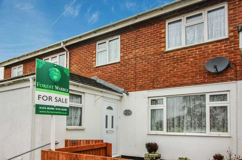 3 Bedrooms Terraced House for sale in Epping Close, Warminster