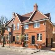 3 Bedrooms Terraced House for sale in Charles Baker Place, London, SW17