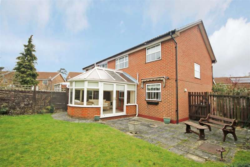 3 Bedrooms House for sale in Princess Marys Road, Addlestone, Surrey, 16, KT15