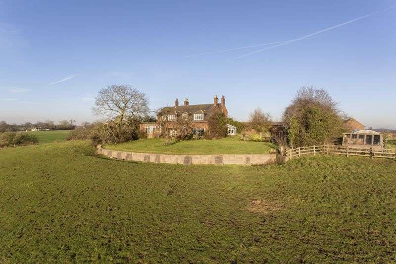 6 Bedrooms Detached House for sale in Wychnor Park, Burton-On-Trent