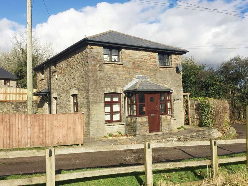 3 Bedrooms Detached House for sale in Heol Ty Newydd, Blackwood, Blackwood